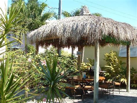 Island Tiki Hut Tiki Bar Picture Of Island Paradise Cottages Of Madeira