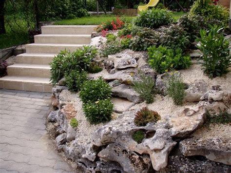 steingarten pflanzenauswahl steingarten pflanzenauswahl hang treppen kies bodenbedeckt
