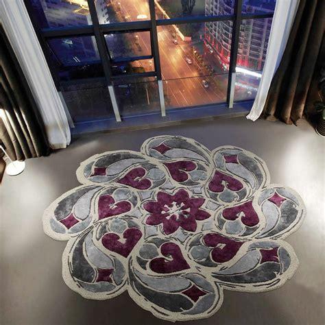 tappeto rotondo rosone tappeto rotondo di design ispirato ai rosoni
