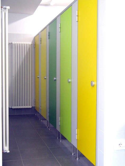autogrill con doccia parete divisoria per bagni in hpl ef3 erwil
