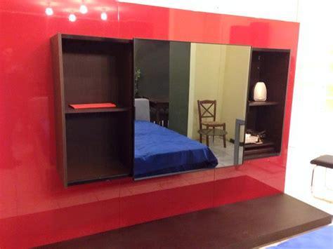 parete rossa soggiorno soggiorno parete soggiorno rossa e weng 232 con tv