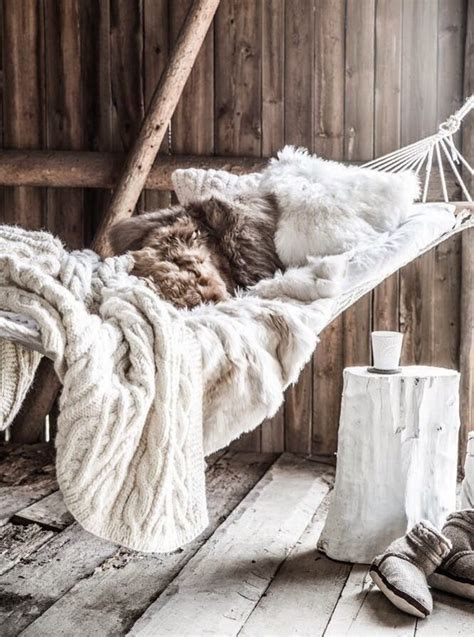 fluffy and cozy winter inspired interiors 20 photos l int 233 rieur d 233 cor 233 fa 231 on montagne 231 a nous gagne blog