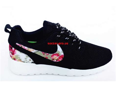 discount womens nike running shoes cheap nike roshe run womens running shoes black floral
