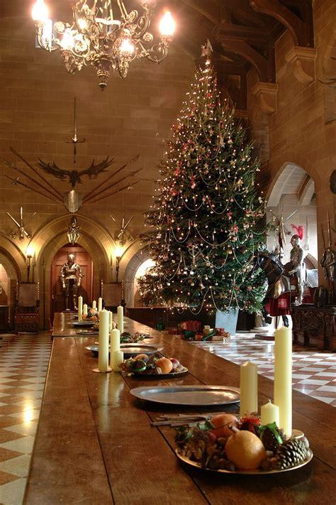 ft floor  ceiling christmas tree   great hall