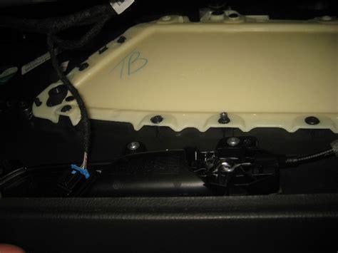 2012 Volkswagen Touareg Removing Inner Door Panel 2012