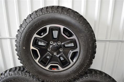 stock jeep wheels and tires what are the stock tires on a 2015 jeep rubicon autos post