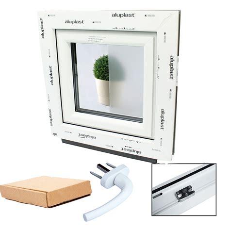 finestre per bagno finestre in pvc aluplast con vetro opaco per bagno