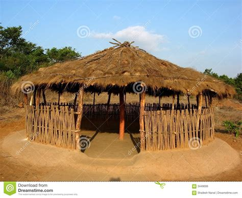 hutte indienne ouvrez la hutte indienne image libre de droits image