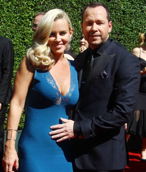 what extensions does jenni from donnie wahlberg mark wahlberg hates jenny mccarthy skipped brother donnie