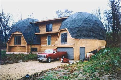 geodesic dome house best 25 geodesic dome homes ideas on pinterest