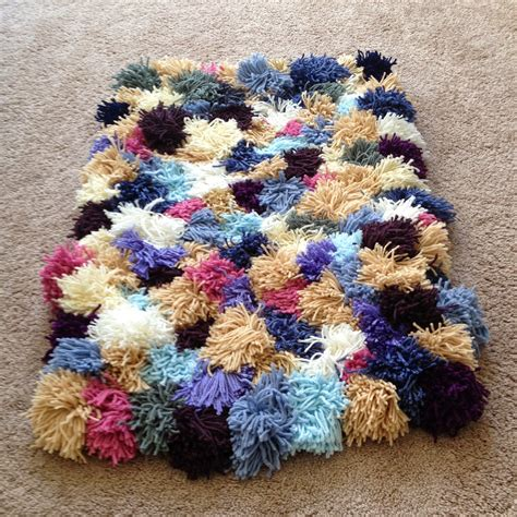 Yarn Rug the crafty novice diy yarn rug