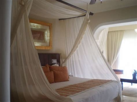1000 Images About Diy Romantic Fantasy Bedrooms On Beds For Married Couples