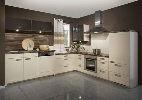high gloss kitchen cabinets in thermofoil kitchen craft 25 best ideas about high gloss kitchen cabinets on