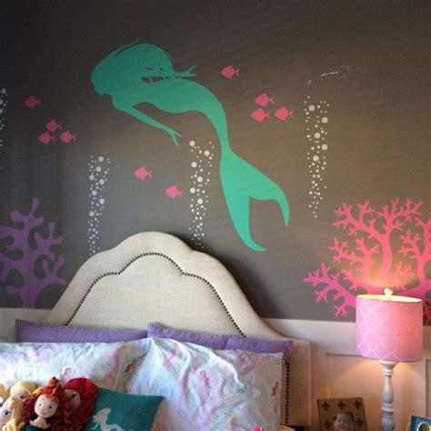little mermaid bedroom 25 best ideas about mermaid girls rooms on pinterest