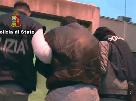 banca italia ancona da catania ad ancona per rapinare banche 4 arresti