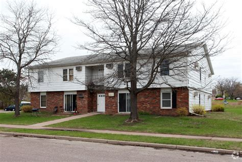 Richard Drive Apartments Eau Wi 1103 Meridian Heights Dr Eau Wi 54703 Rentals