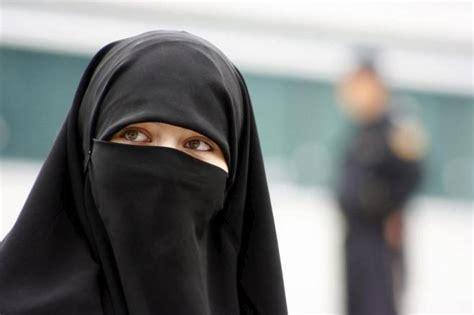 imagenes mujeres arabes con velo el niqab asoma en sarajevo internacional el mundo