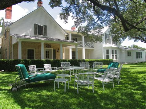 white ranch house rv short stops lbj ranch in texas hill country
