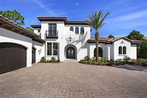 Homes With Interior Courtyards by What Color Is The White On The Exterior Stucco Of This Home