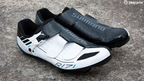 road bike shoes review shimano r171 road shoes review bikeradar
