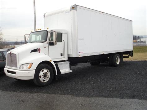 kenworth box truck kenworth t300 van trucks box trucks for sale 105 used