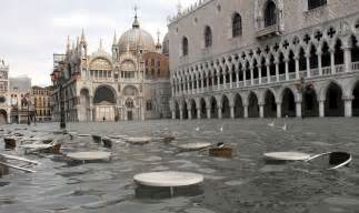 where does the st go things to do in the romantic city of venice italy
