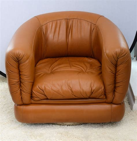 leather barrel swivel chairs pair of 1970s barrel swivel leather chairs at 1stdibs