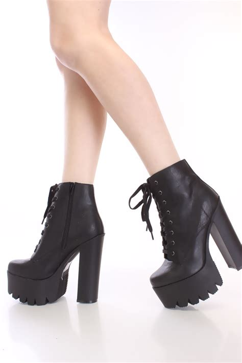 Moon Boot Duvet Black Lace Up Chunky Heel Platform Booties Faux Leather