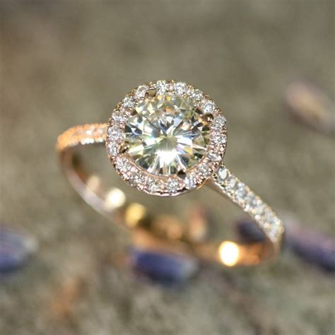 Verlobungsring Frau Gold by Moissanite Engagement Rings Info And Inspiration