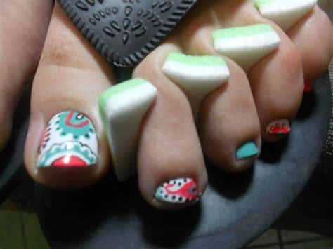 Paisley Toe Nail Designs