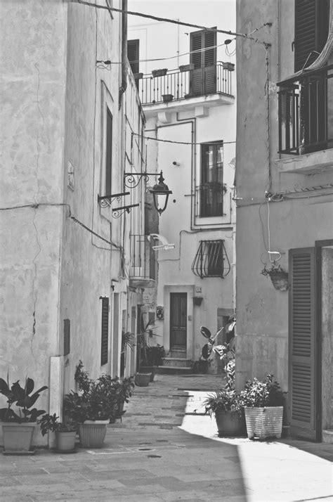 fotos antiguas en blanco y negro calle antigua en blanco y negro descargar fotos gratis