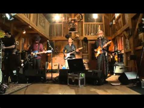 live from daryls house dave stewart live from daryl s house missionary man youtube