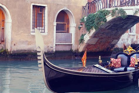 Maxim Venice Set 5 Pcs Dijamin Original boats venice italy gondolas canal wallpaper allwallpaper