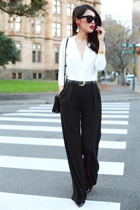 31 Black & White Work Outfits For Women 2018   FashionGum.com