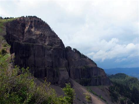 table mountain rock columbia river gorge oregon