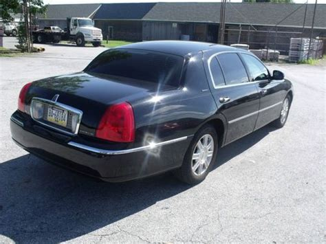 buy used 2007 lincoln town car executive l sedan 4 door 4 6l in west chester pennsylvania find used 2007 lincoln town car executive l sedan 4 door 4 6l in west chester pennsylvania