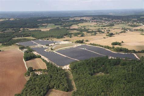 Cap Sud Photovoltaique by Faux 24 Un Parc Photovolta 239 Que Sur L Ancien Circuit