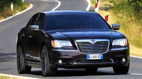 2012 lancia thema photos informations articles