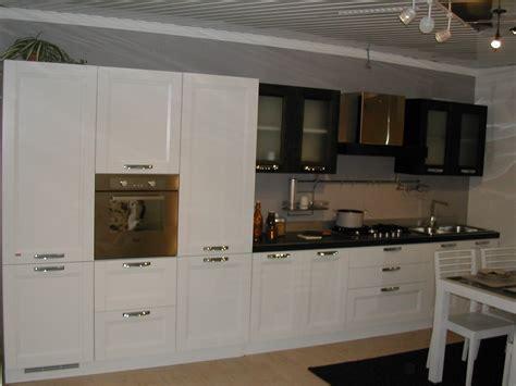 outlet spacci arredamento outlet piemonte outlet arredamento cucine divani