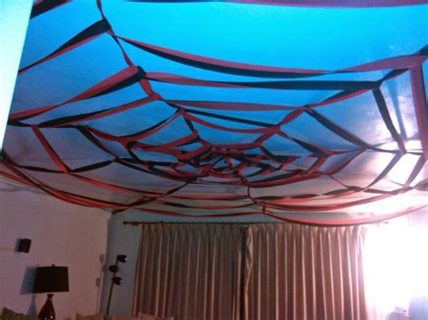 How To Make A Spider Web With Paper - how to make a spider web on the ceiling with crepe paper