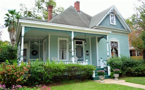 bed and breakfast natchitoches la green gables bed breakfast and camellia cottage