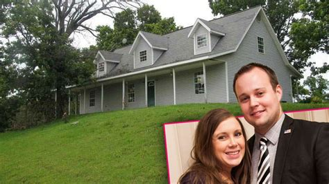 josh duggar house josh anna duggar move back to arkansas post scandal radar online
