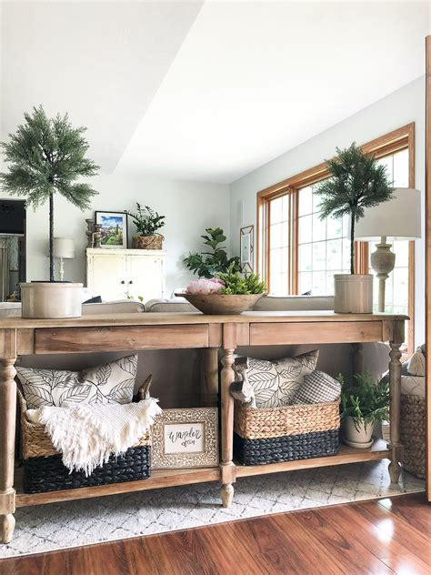 create  welcoming summer entryway  images