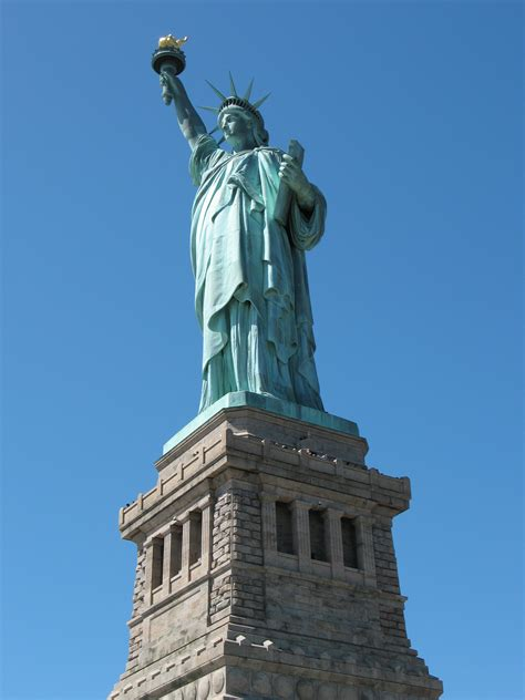 what color is the statue of liberty may 2010 kirbside