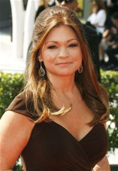 hair styles actresses from hot in cleveland valerie bertinelli hairstyle photos search results