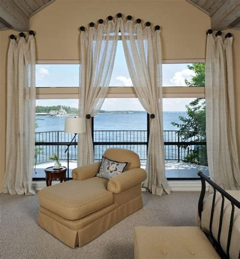 best way to hang curtains 25 best ideas about hanging curtain rods on pinterest