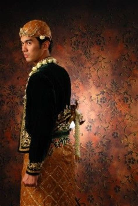 Baju Adat Jawa Timur Cowok fitinline makna simbolis busana kebaya dan jawi jangkep