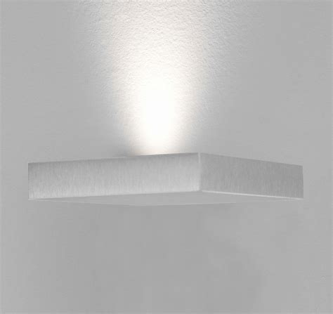 wandleuchte led flur design led wandleuchte aluminium silber flur dielen le
