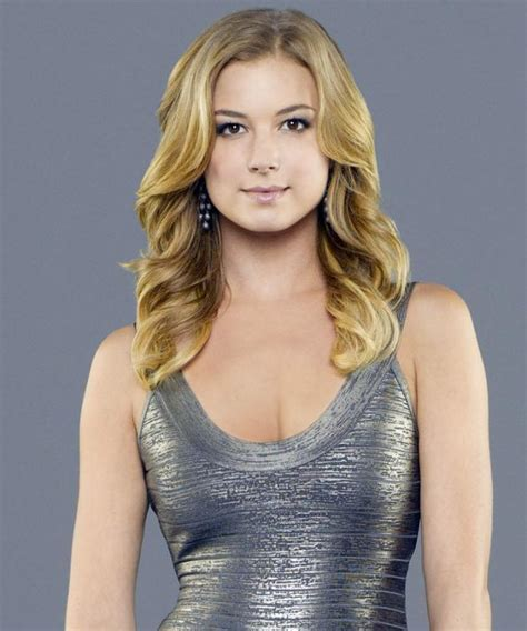 how to get emily thorne s signature hairstyle instyle com