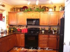 Top Of Kitchen Cabinet Decorating Ideas top of kitchen cabinet decorating ideas kitchen cabinet